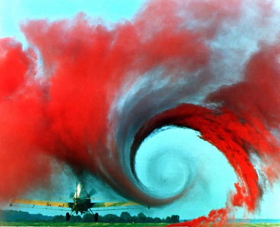 Airplane_vortex_edit
